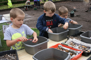 The boys really enjoy working with the finds and are brilliant pot washers